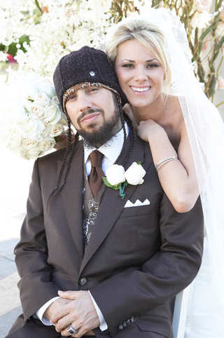korn-bassist-and-bride-on-wedding-day