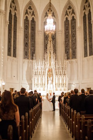 wedding-at-st-james-chapel-at-quigley-seminary-for-chicago-archdiocese