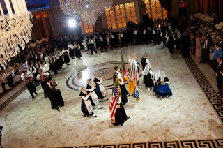 wedding-reception-with-a-portuguese-dance-troupe