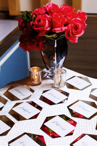 wedding-escort-card-table-flower-print-hexagon-card-calligraphy-roses