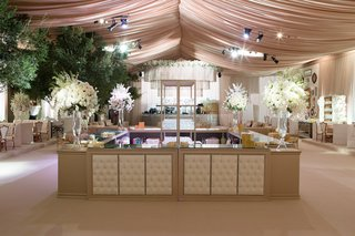 four-sided-wedding-bar-with-tufted-panels
