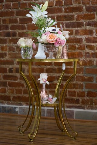 white-lilies-white-anemone-small-pink-roses-peach-roses-orchids-gold-table