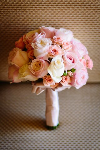 bridesmaid-bouquet-with-pink-roses-white-roses-stem-wrapped-with-blush-ribbon