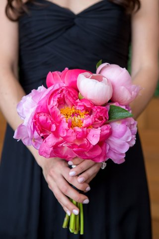 wedding-bouquet-bridesmaid-in-draped-black-gown-manicure-white-pink-nails-coral-peony-flowers