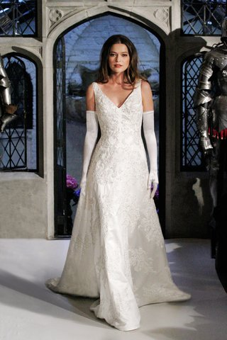 oleg-cassini-spring-2018-wedding-dress-v-neck-sleeveless-lace-applique-tank-gown-gloves