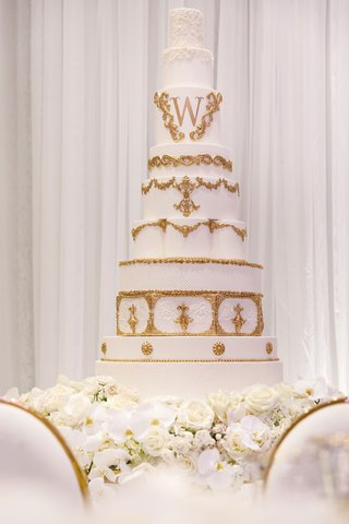 wedding-cake-white-frosting-gold-decor-gold-monogram-design-shannon-perkins-tahir-whitehead-nfl