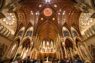 catholic-wedding-ceremony-in-holy-name-cathedral-church-in-chicago