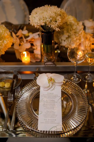 wedding-reception-place-setting-mirror-table-charger-plate-letterpress-menu-card-silver-foil-orchid