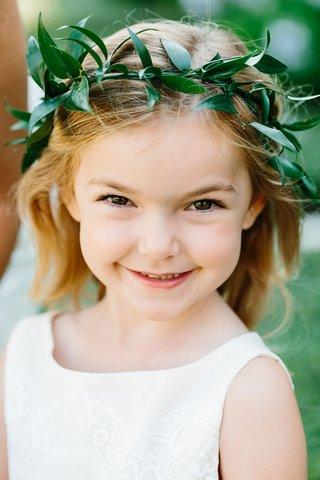 flower-crown-flower-girl-verdure-leaves-green-halo-smiling-flower-girl