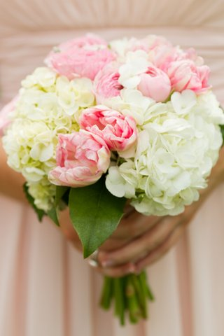 pink-and-white-peony-and-hydrangea-wedding-bouquet