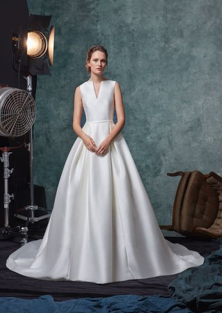 sareh-nouri-fall-2019-bridal-collection-wedding-dress-blake-v-neck-shantung-ball-gown-pleated-skirt