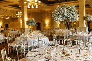 wedding-with-ivory-and-gold-color-scheme-babys-breath-centerpiece