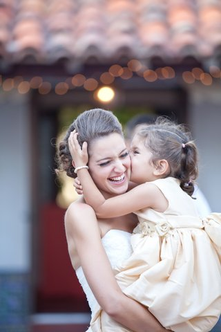 bride-and-her-flower-girl-at-the-darlington-house-la-jolla-ca