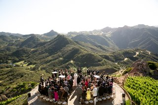 malibu-rocky-oaks-wedding-with-outdoor-ceremony-on-helipad-santa-monica-mountains