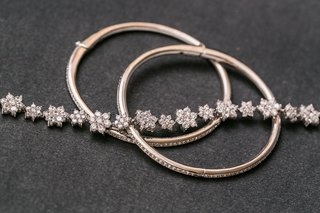 diamond-flower-bracelet-and-diamond-bangles