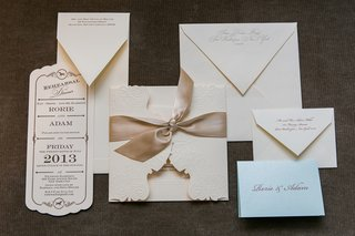 ivory-and-champagne-wedding-invite-and-paper-goods