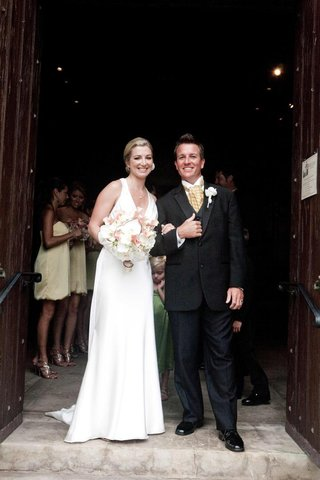 bride-and-groom-at-episcopal-church-entrance-in
