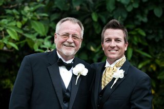 groom-with-father-of-the-groom-in-tuxedos