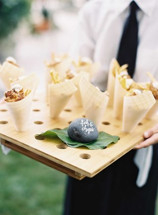 paper-cone-tray-appetizer-for-outdoor-wedding-fish-and-chips-fried-french-fries