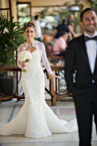 bride-in-oscar-de-la-renta-snowflake-mermaid-gown-first-look-groom-in-ralph-lauren-black-label