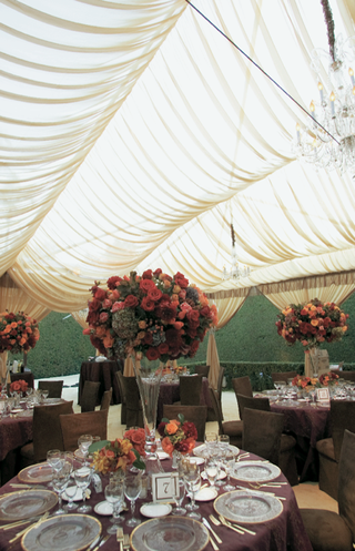 wedding-reception-decorations-in-autumn-color-palette