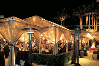 california-tent-wedding-at-night-with-heaters