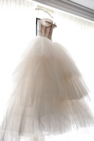 corset-style-wedding-dress-with-full-tulle-skirt