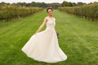 how-i-met-your-mother-and-nikita-actress-lyndsy-fonseca-in-a-line-wedding-dress-embellished-bodice