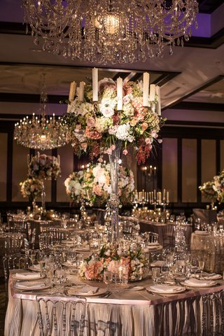 tall-glass-centerpieces-with-flowers-and-candles-in-blush-green-white