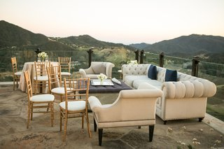 malibu-rocky-oaks-wedding-reception-lounge-area-overlooking-santa-monica-mountains