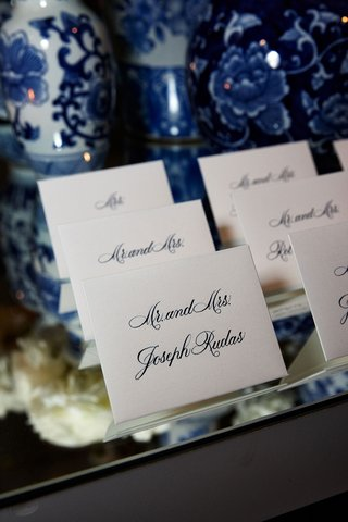 wedding-reception-mirror-escort-card-table-tent-cards-calligraphy-blue-and-white-chinoiserie-ginger