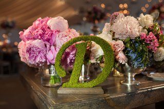 moss-decoration-enchanted-peonies-centerpiece-idea