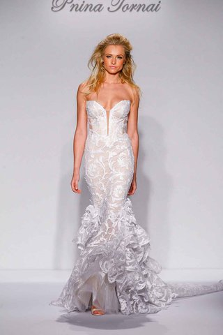 pnina-tornai-for-kleinfeld-2016-mermaid-strapless-wedding-dress-with-ruffle-skirt-and-pattern