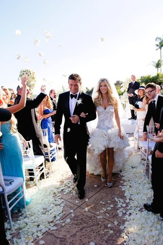 celebrity-joanna-krupa-wedding-exit-with-flower-petal-tossing
