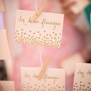 escort-cards-with-gold-calligraphy-and-gold-dots-diy-confetti-handwritten