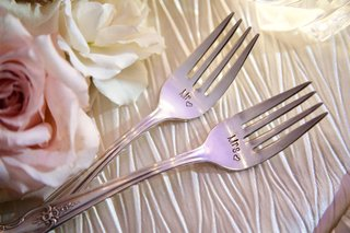 wedding-reception-engagement-gift-idea-mr-and-mrs-fork-engraved-present-ideas
