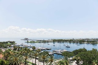 atlantic-ocean-view-st-petersburg-florida-wedding-venue-the-vinoy-bride-groom-harbor-boats-clouds