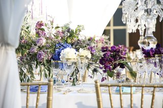 destination-wedding-in-tuscany-purple-blue-and-white-flowers-for-centerpieces