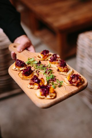 butternut-squash-puree-green-bacon-crostini-rustic-wedding-event-food-styled-delicious-appetizers
