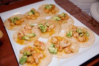 wedding-cocktail-hour-tray-of-shrimp-tacos-and-avocado-the-standard-club-chicago