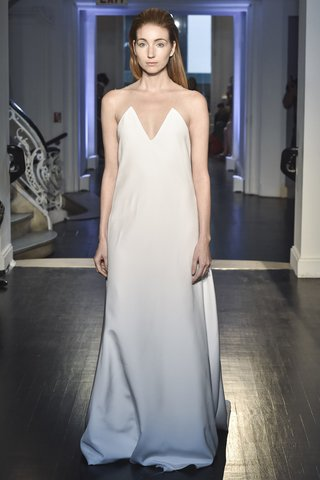 lakum-fall-2018-heavy-silk-crepe-plunging-strapless-gown-with-train