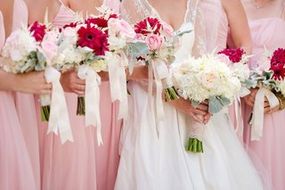 summer-wedding-bouquet-ideas-with-pink-flowers