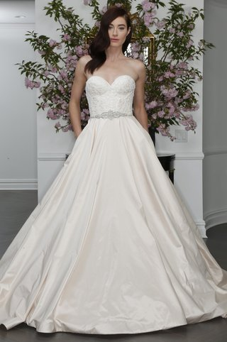 sweetheart-neckline-ball-gown-by-legends-romona-keveza