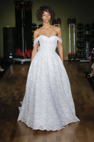 rivini-fall-2018-corset-lace-ball-gown-with-silk-organza-wrap