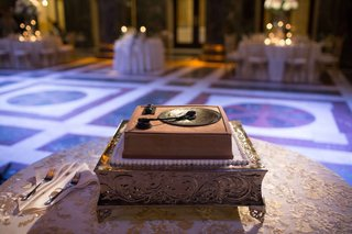 grooms-cake-shaped-record-player-chocolate-wedding-reception-dessert-delicious-tradition
