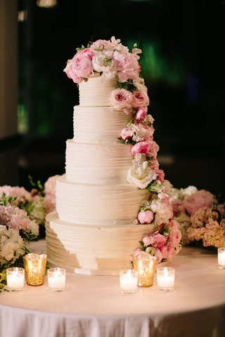 tall-white-wedding-cake-five-layers-with-fresh-flower-decorations-peony-garden-rose-white-pink