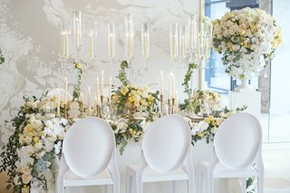 wedding-inspiration-white-chairs-with-ovals