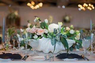 wedding-reception-centerpiece-coastal-clam-shell-with-white-peony-white-tulip-pink-garden-rose