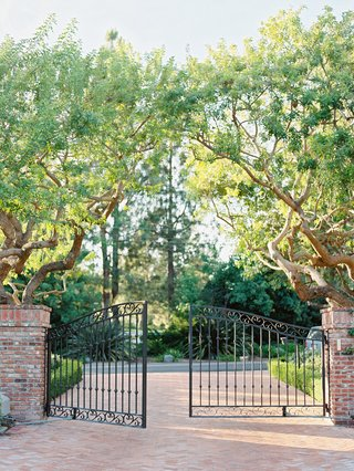 private-residence-gate-in-rancho-santa-fe-california