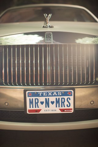 rolls-royce-wedding-car-getaway-limousine-with-mr-n-mrs-texas-personalized-plate